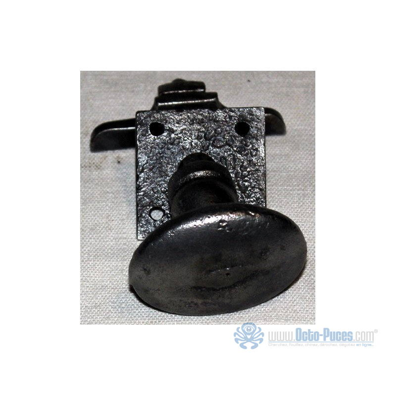 Petite poign e de porte en acier massif forg octo puces for Poignee de porte forge