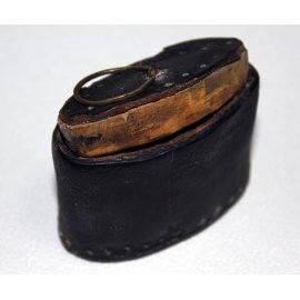 Tabatière en bois et cuir, ancienne