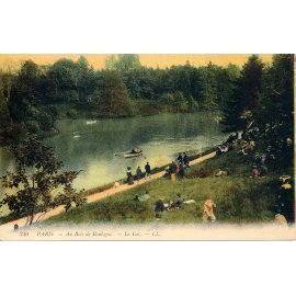Paris - Au bois de Boulogne, le Lac