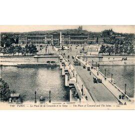 Paris - La Place de la Concorde et la Seine