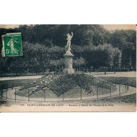 Saint-Germain-en-Laye - Parterre et Statue de l'Amour et la Folie