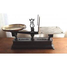 Balance Roberval en acier, plateaux en laiton