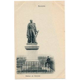 Auxerre - Statue de Davout