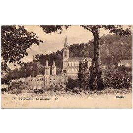 Lourdes - La Basilique